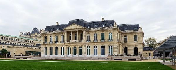 1200px-Paris_chateau_muette